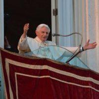 Benet XVI en el moment del seu discurs de renúncia.