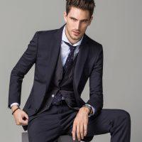 tendencias-trajes-hombre-2015-traje-azul-massimo-dutti